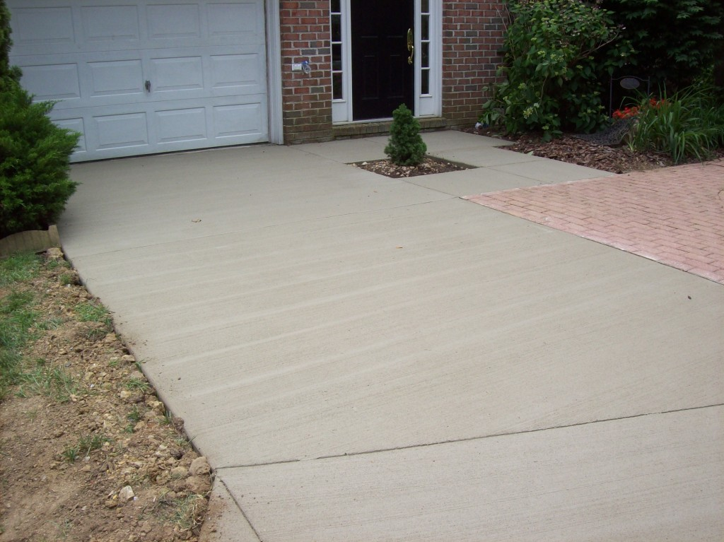 Annapolis Townhouse Driveway AFTER