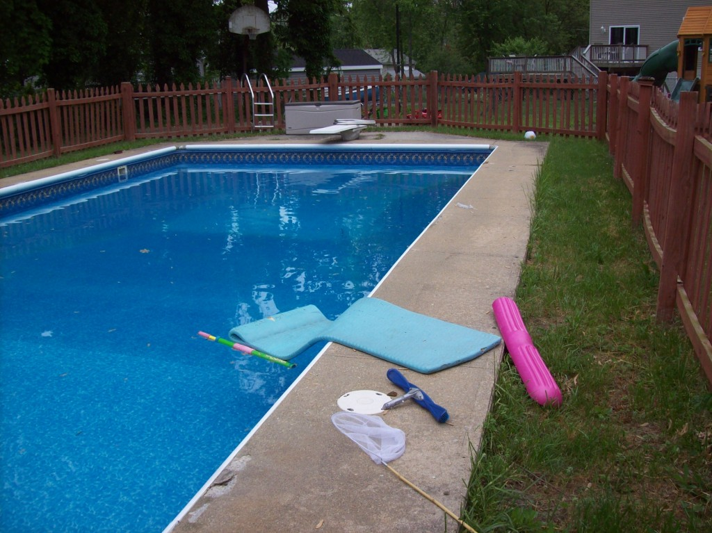 Annapolis Pool Deck Resurface BEFORE
